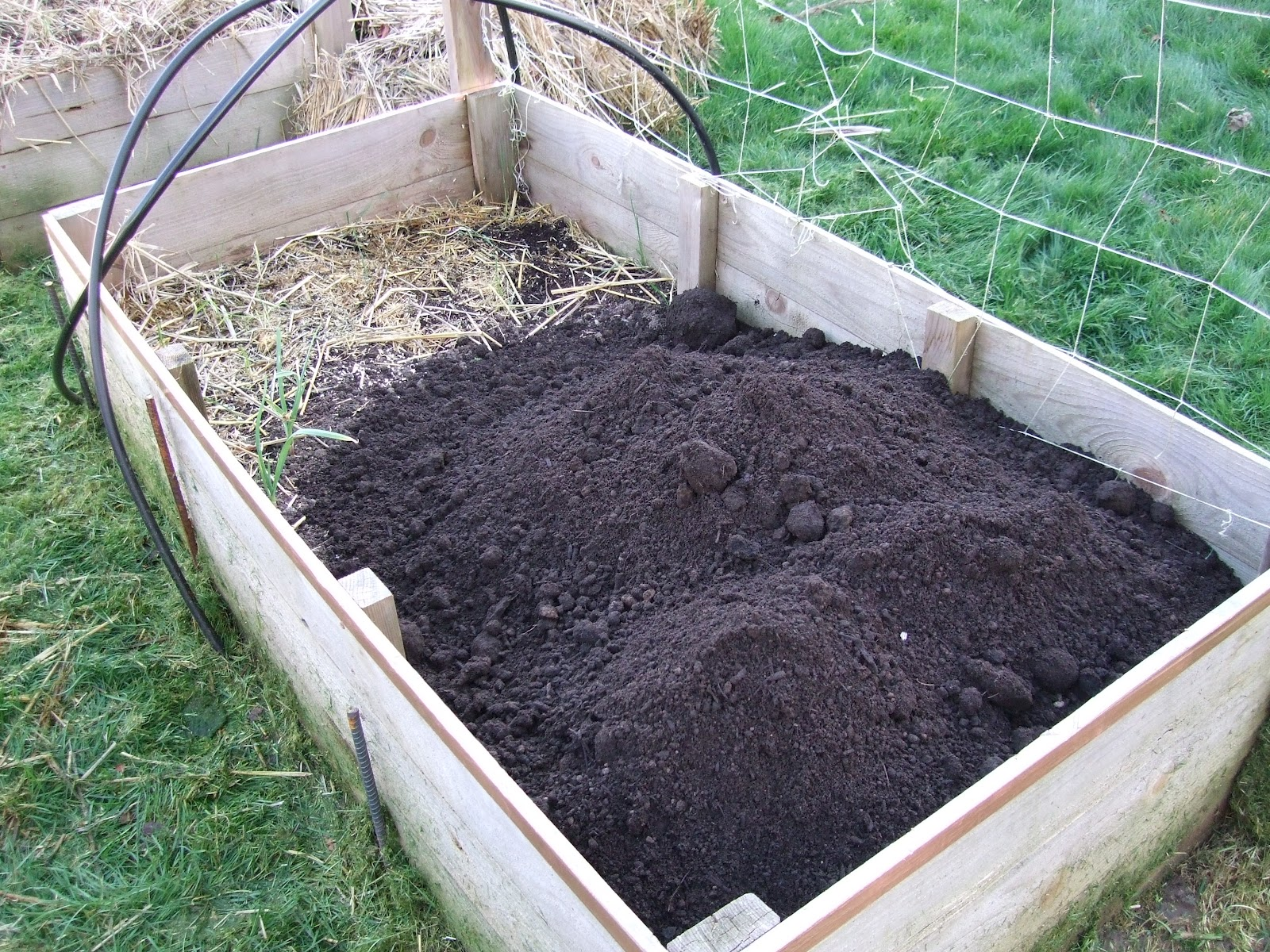 living simply living well soil structure for raised beds