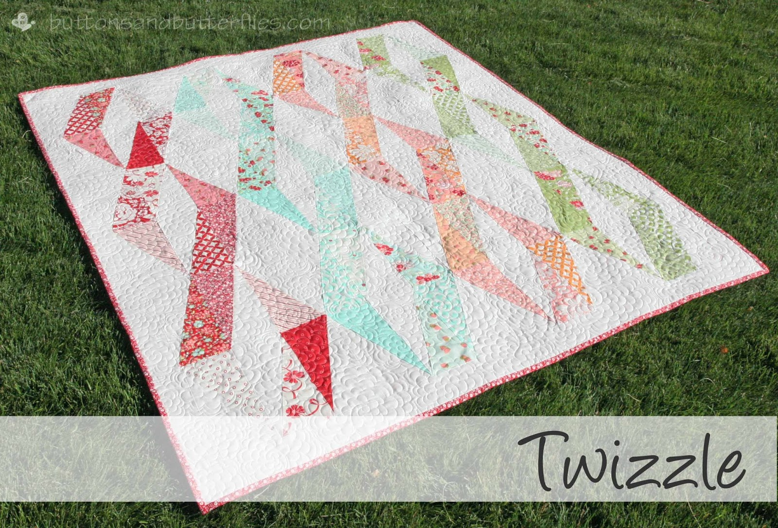 Buttons and Butterflies: Half Rectangle Triangles {Tutorial} : half square quilt patterns - Adamdwight.com