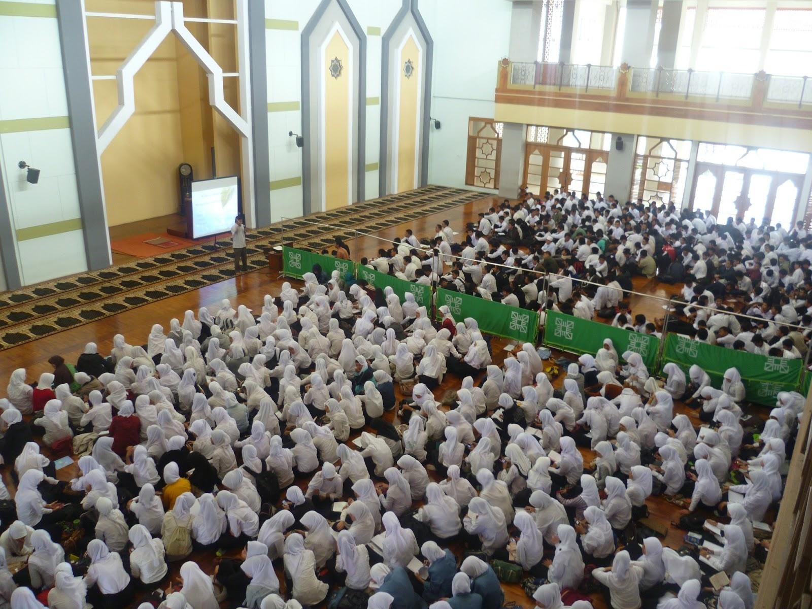 Mengenal Gedung UPI - Masjid Al-Furqan