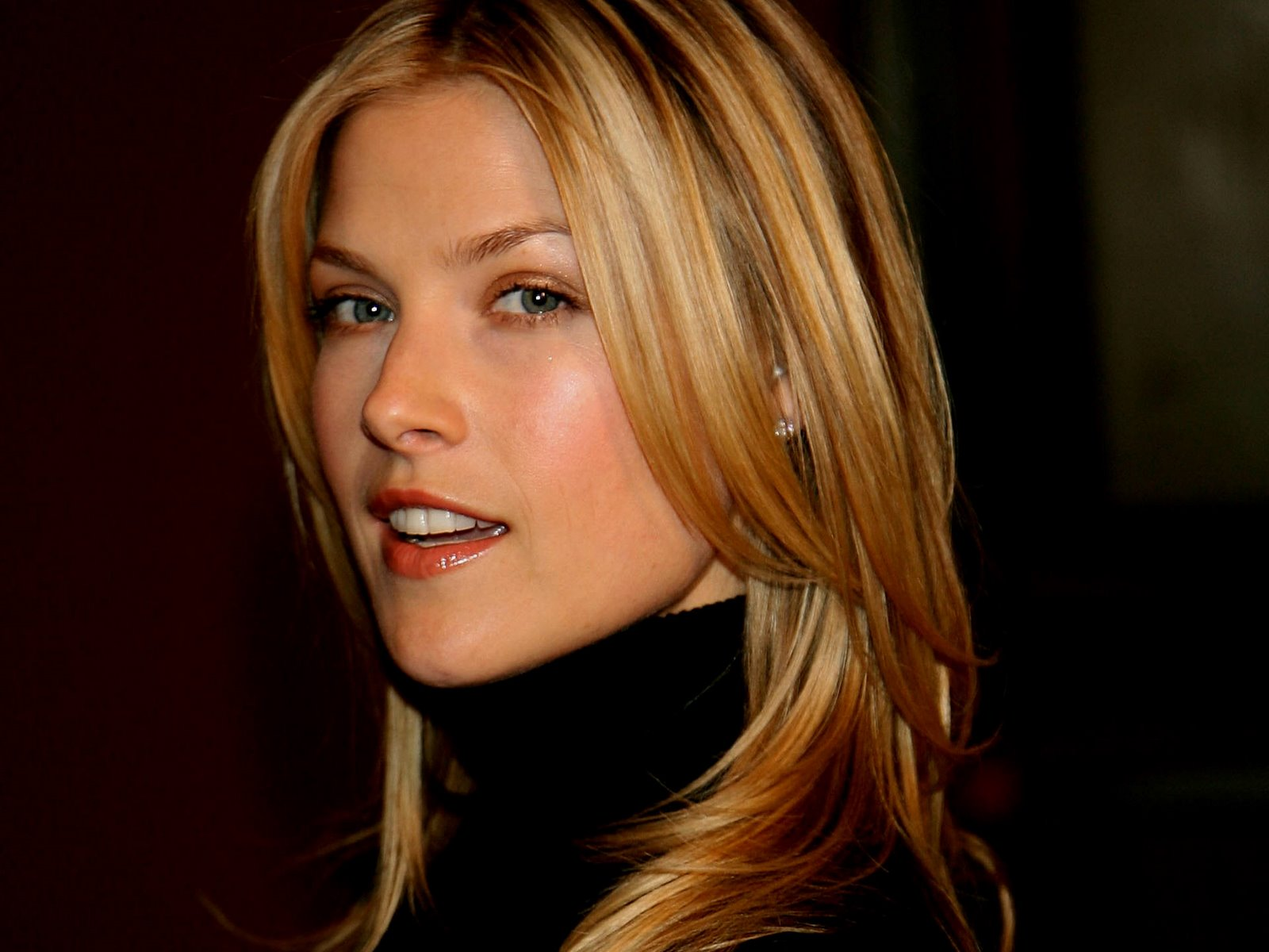 Ali larter biography wallpapers and biography global celebrities