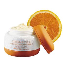 Come evitare la pigmentazione su una faccia durante abbronzatura