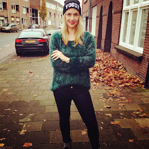 Alina, 26 years old, from Germany, living in Rotterdam. Brand owner, fashion blogger & stylist