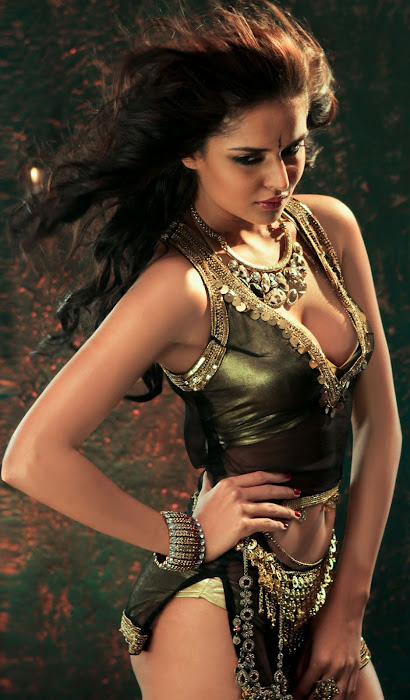 nathalia kaur from department movie, nathalia kaur actress pics