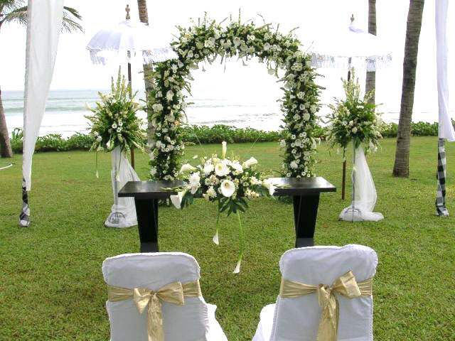 Simple wedding decorations ideas for Home wedding reception decorations
