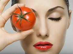 """<img source=""""memutihkan-wajah-alami-dengan-tomat.jpeg"""" alt=""""cara memutihkan wajah alami dengan buah tomat""""</img>"""