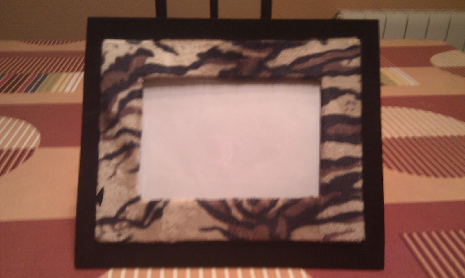 Juani manualidades marcos de fotos de tela y carton - Marcos fotos manualidades ...
