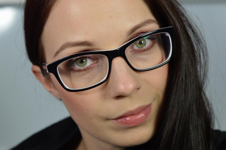 wuchtige Brille