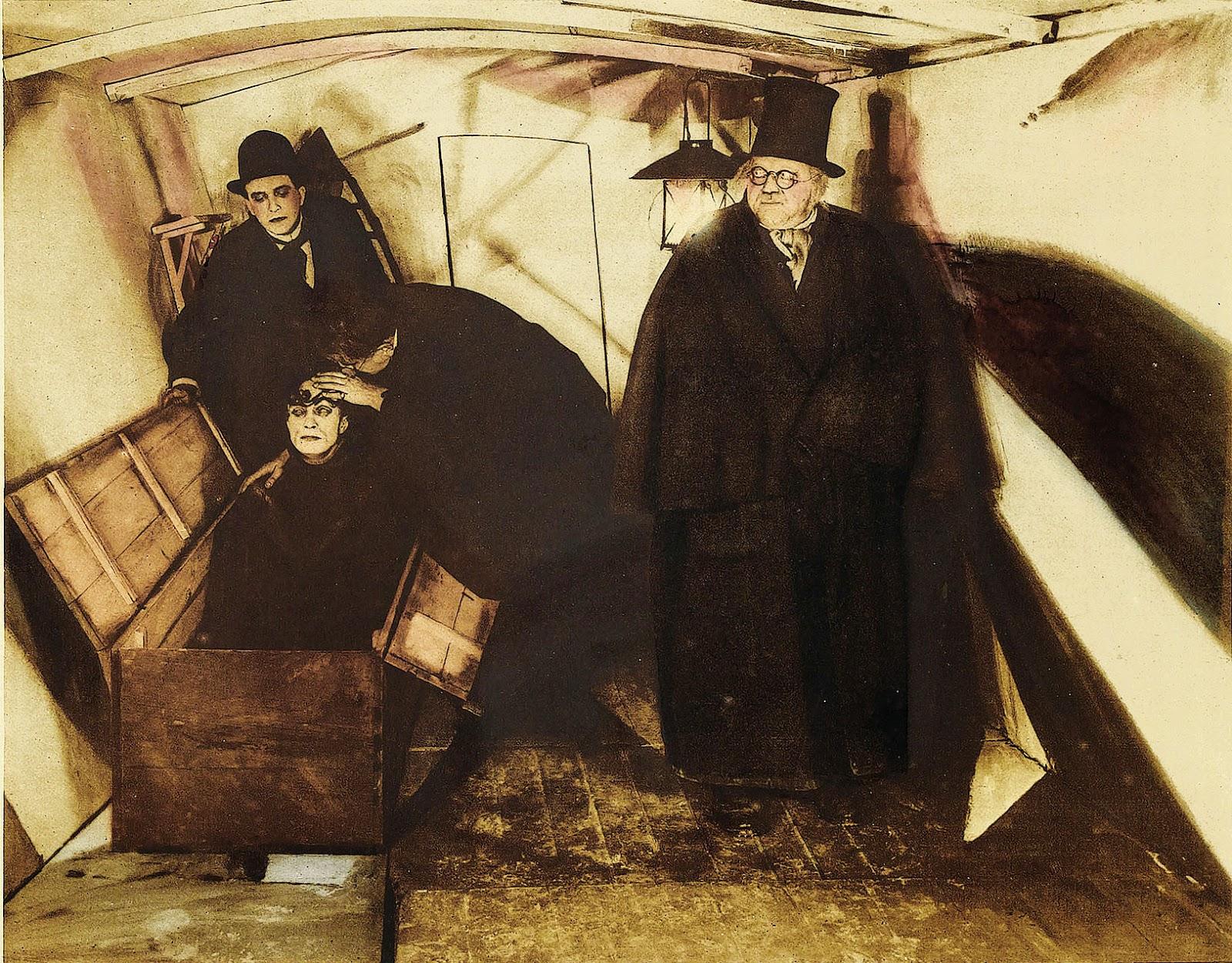«Περίπτωση Φουκώ» 1920px-Cabinet_of_Dr_Caligari_1920_Lobby_Card