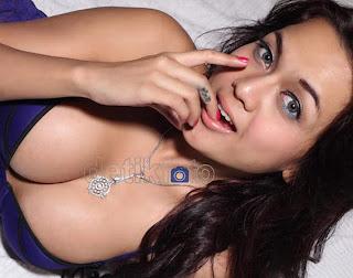 foto seksi anggita sari model lingerie sexy