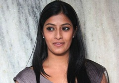 Varalakshmi acting dedication