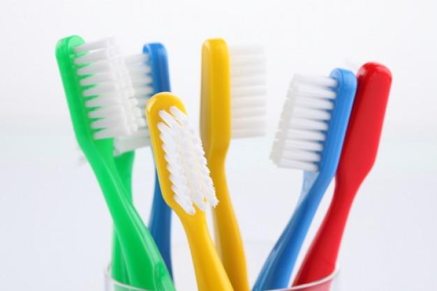 Eres de los renuevan el cepillo de dientes cada 3 meses y for Imagenes de utiles de aseo
