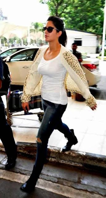 Katrina Kaif & Hrithik leave for Delhi to promote 'Bang Bang!' gallery
