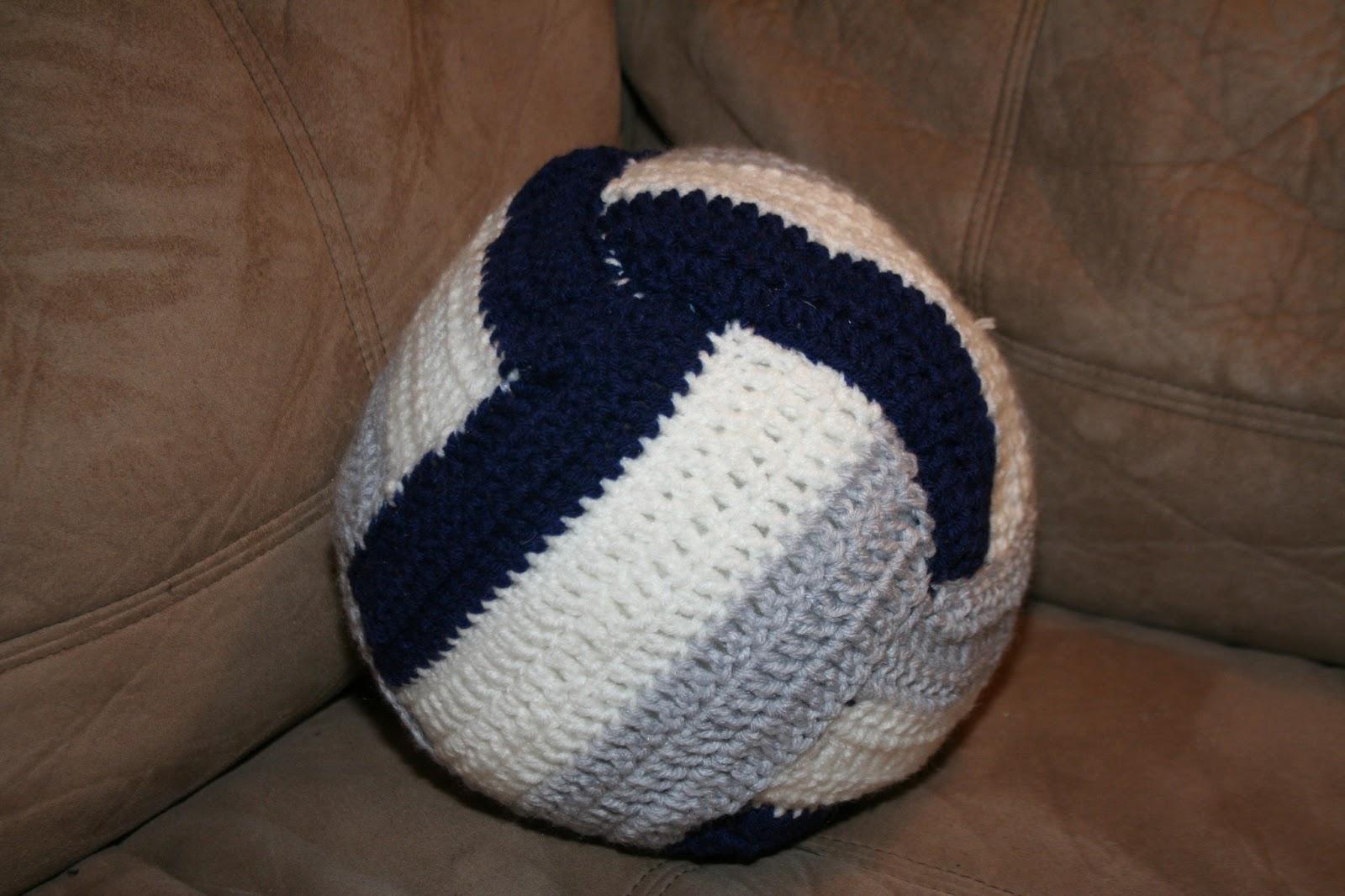 Elecia\'s Creative I: Crocheted Volleyball pattern