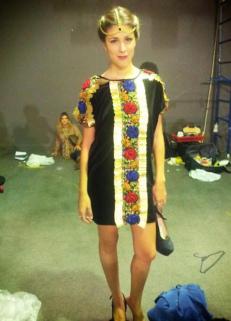 flor-alba-model-caro-criado-back-black-velvet-dress-flowers