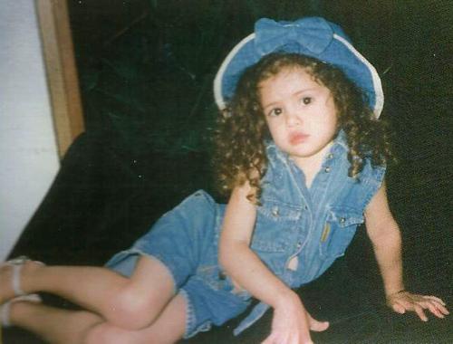 Selena Gomez Ch... Jacqueline Fernandez Wallpapers Hd Cute