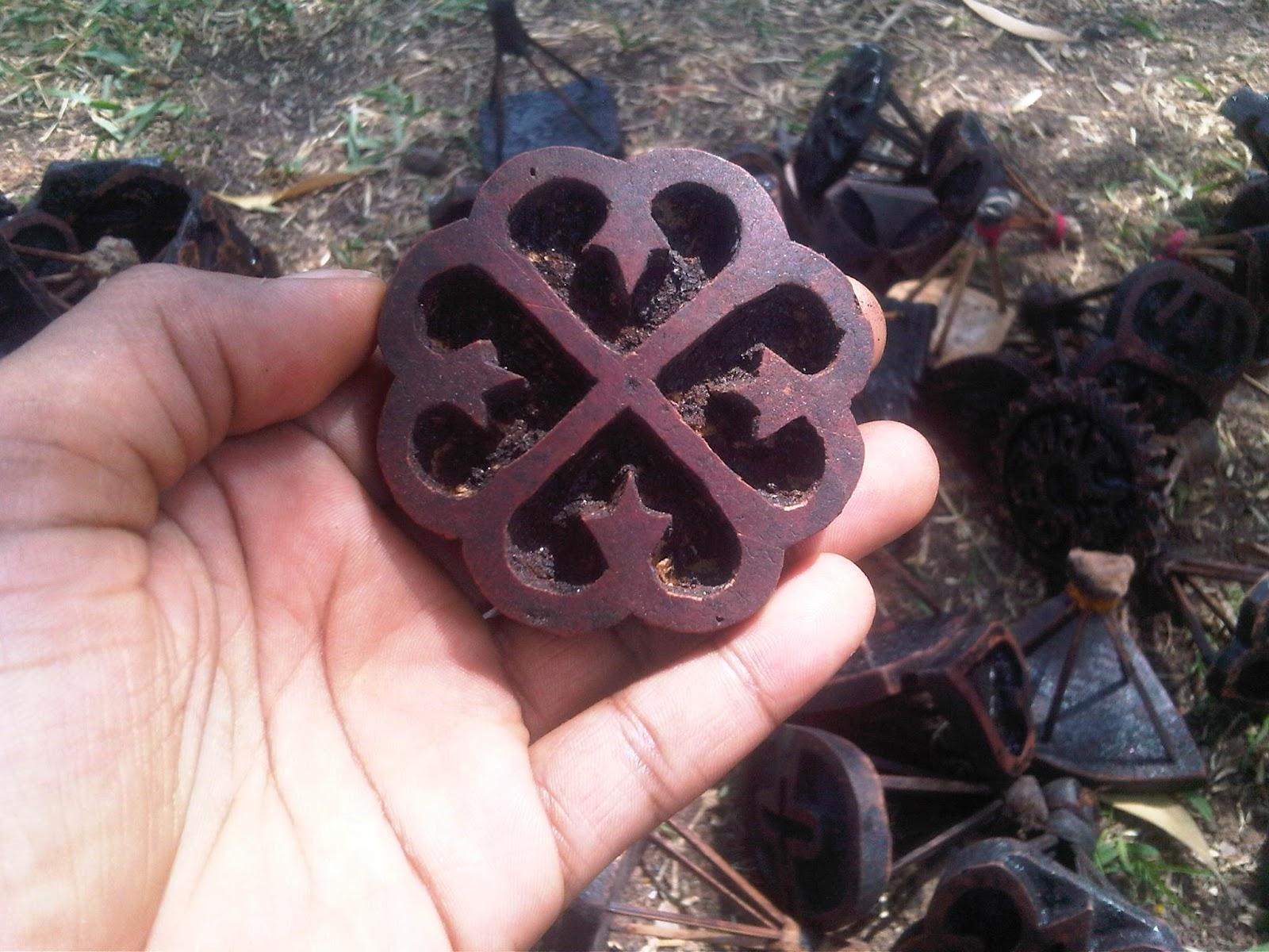 Me bo life stamping adinkra one of my favorite symbols nyame dua tree of god symbolizing gods presence and protection buycottarizona