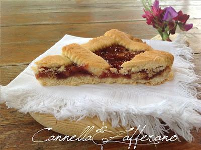 crostata di marmellata e biscotto sbriciolato
