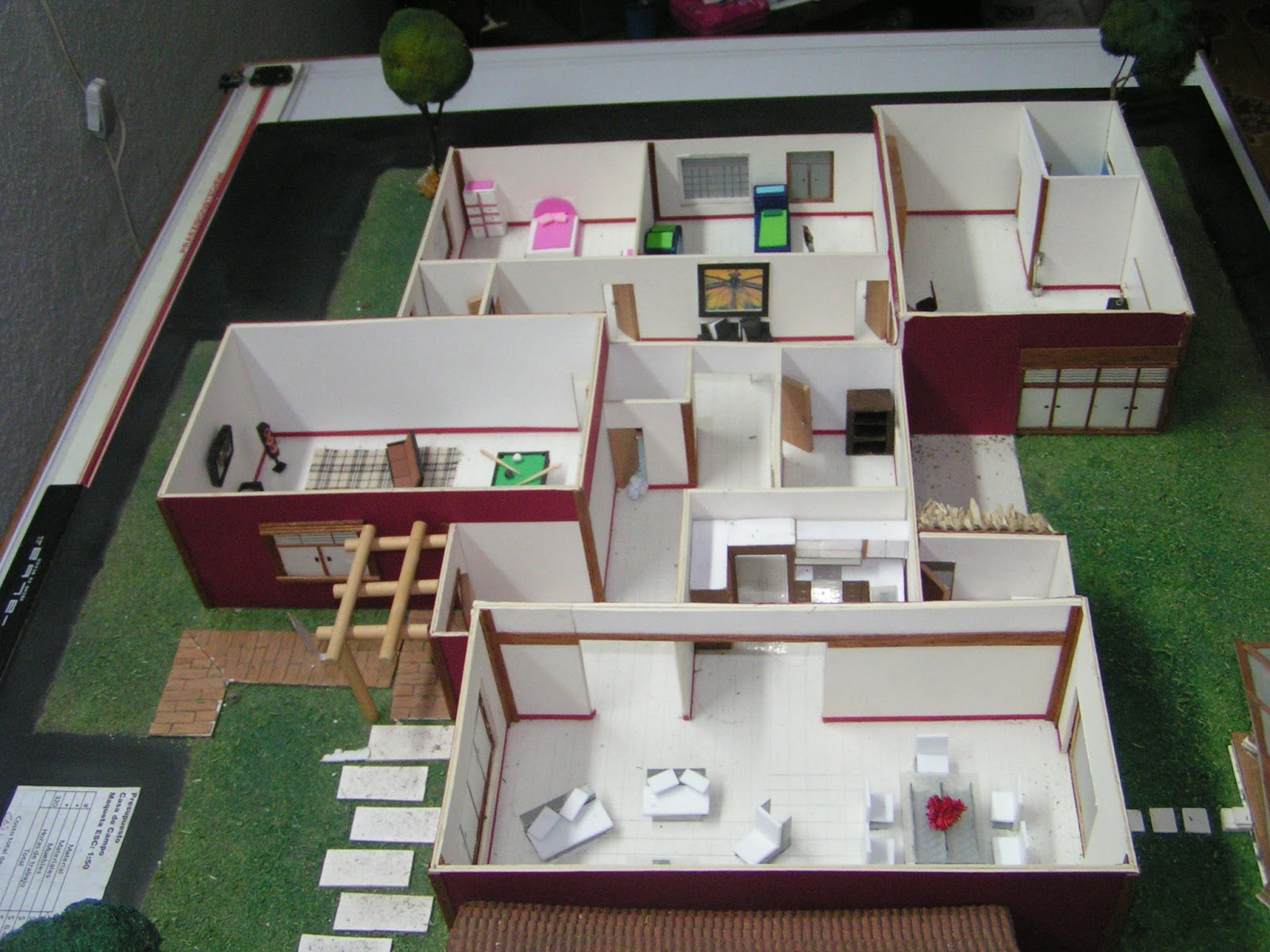 Maquetas de casas pictures to pin on pinterest tattooskid - Maqueta casa up ...