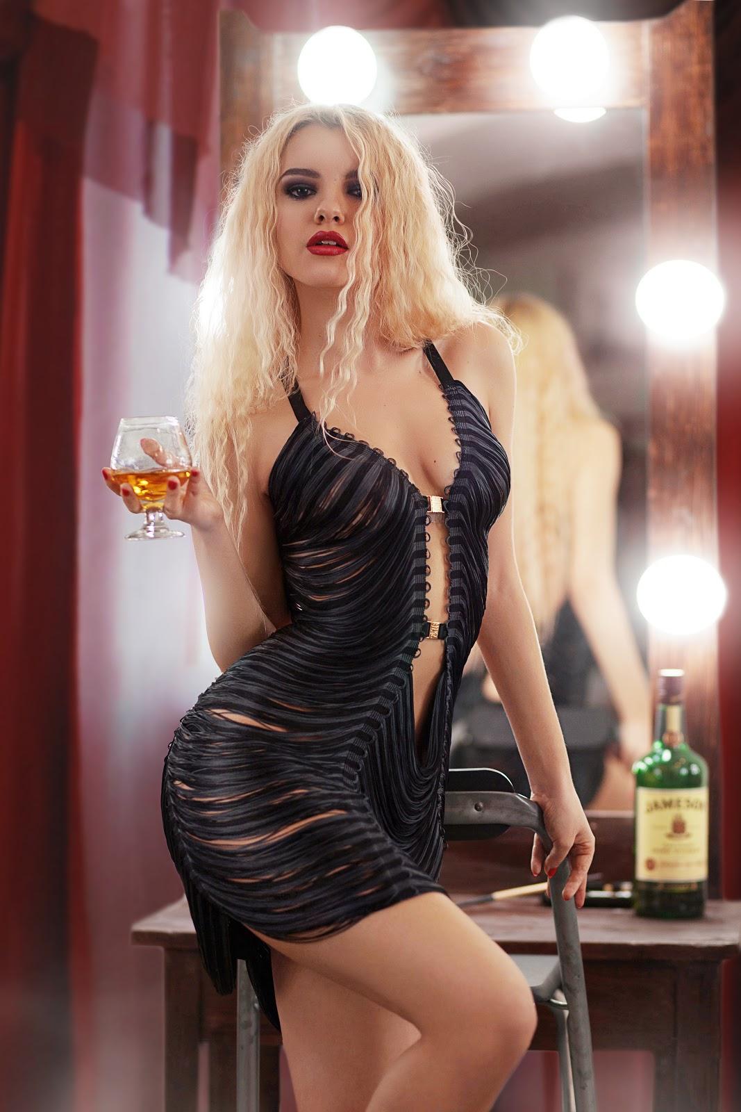 sexy blonde, sexy dress, tiny waist, sexy girls, smoking girl