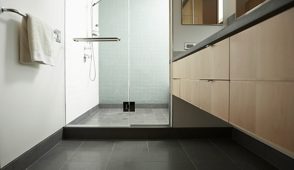 Beautify your bathroom with a luxury frameless shower doors