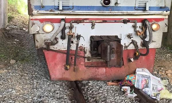 Wanita Maut Diseret Keretapi Selepas Gagal Menyeberangi Landasan