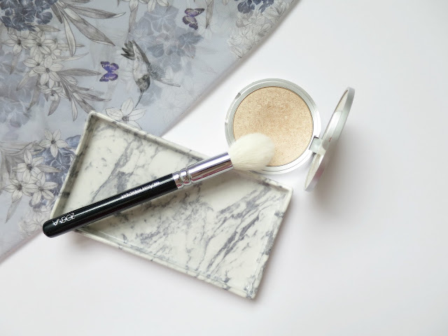 Perfect Brush and Beauty Matches  Zoeva brush the balm mary loumanizer highlighter