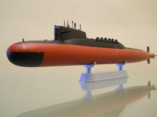 maqueta de submarino a escala 1:350