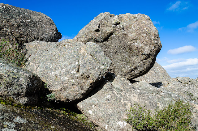 granite boulders on mount langi ghiran