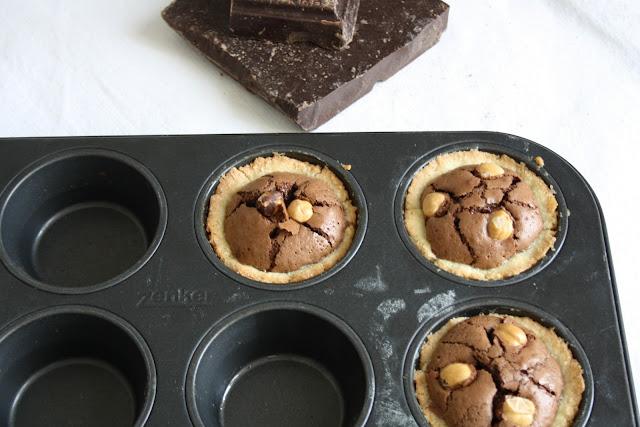 Crostatine cioccolato e nocciole