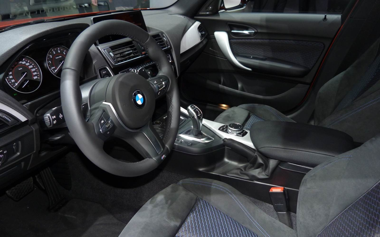 BMW Série 1 2015 Active Flex - interior