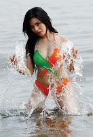hot Foto Ranti Yulia di Majalah Popular