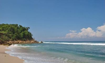 5 Tempat  Wisata  Pantai Pasir Putih Tulungagung yang Banyak di Kunjungi Para Wisatawan 2015