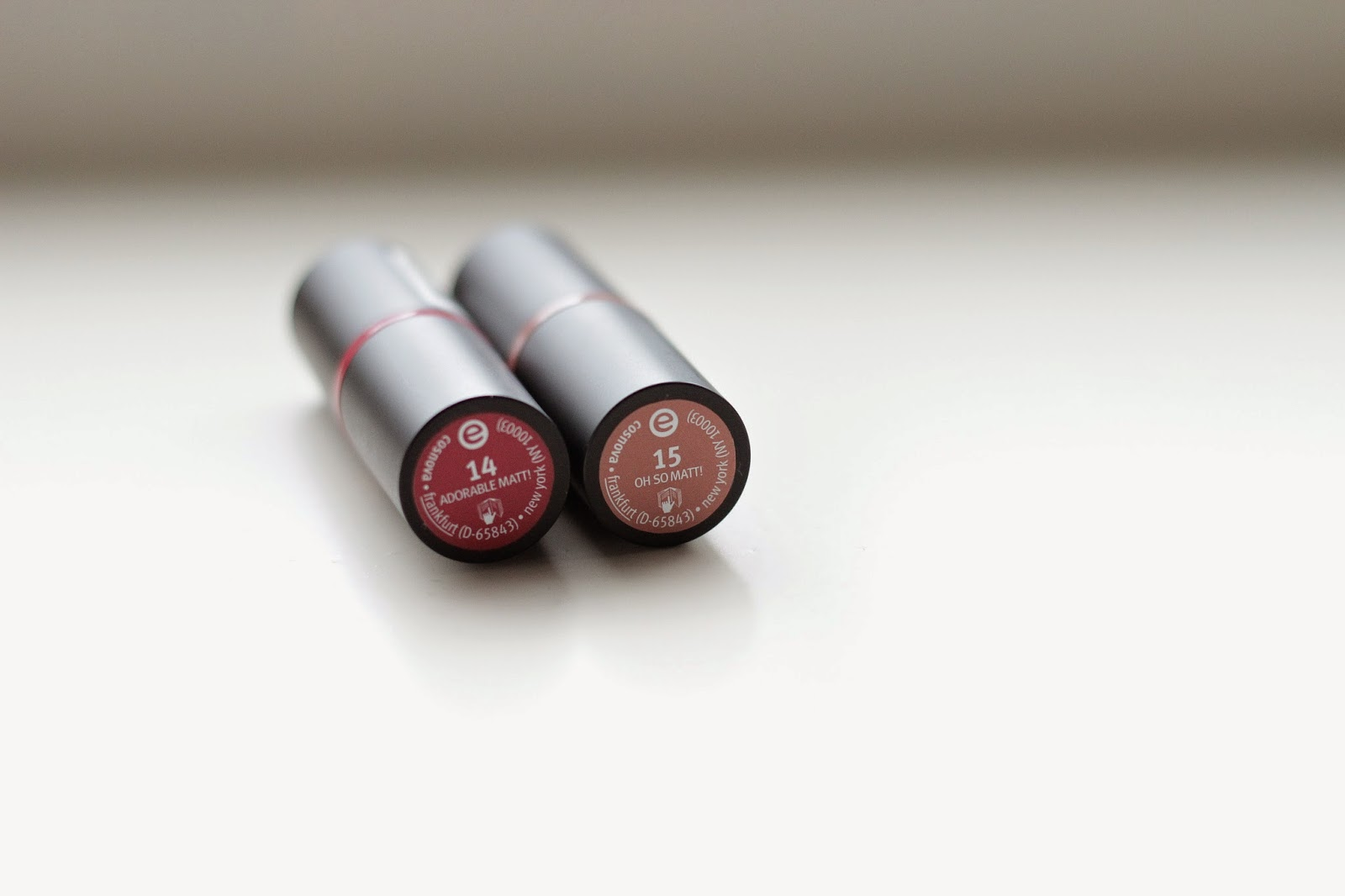 review swatches essence longlasting lipstick 14 Adorable Matt  15 Oh So Matt
