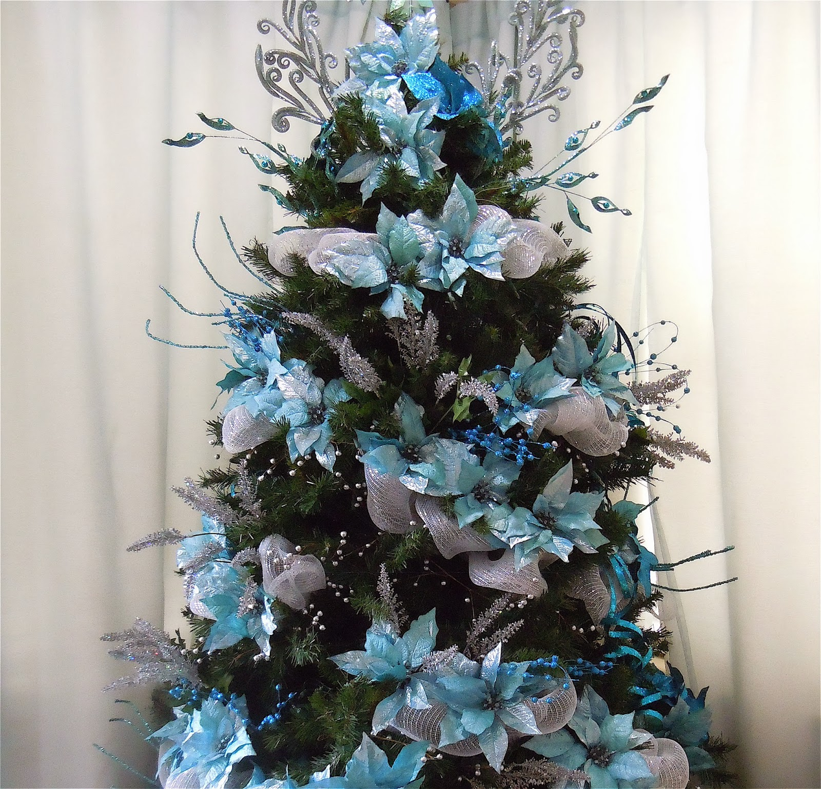 Seasontry teal christmas tree - Arbol de navidad plateado ...