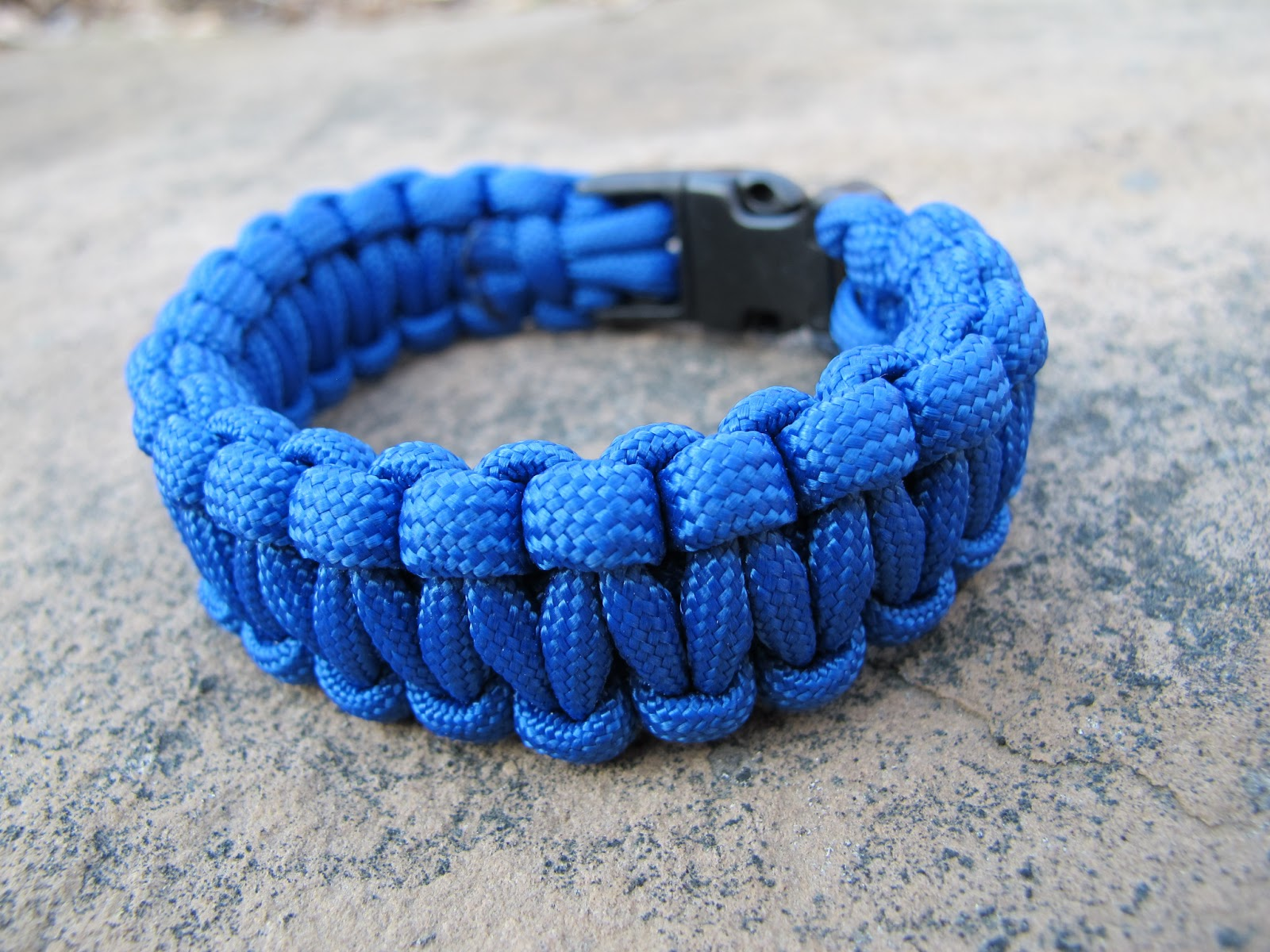 Paravival cobra paracord bracelet review new england outside for Things you can do with paracord