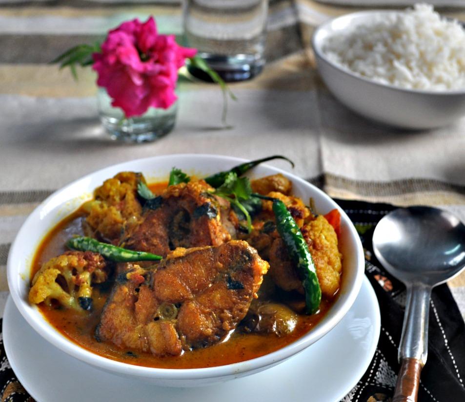 rui macher jhal recipe for chicken