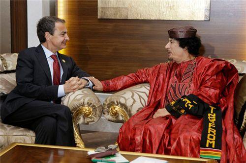 http://1.bp.blogspot.com/-YeKAd1USkeo/TYiD57IHMrI/AAAAAAAAESE/3VV0Q3gXoIw/s1600/gadhafi%2Bzapatero.jpg
