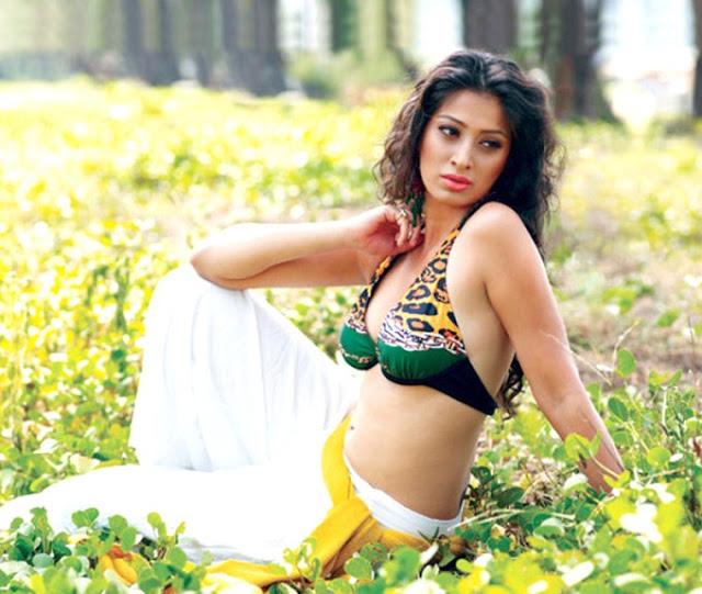 mallu lakshmi rai _bikini actress pics