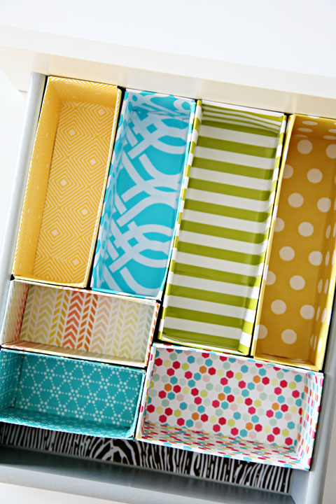 http://iheartorganizing.blogspot.dk/2013/01/diy-cereal-box-drawer-dividers.html