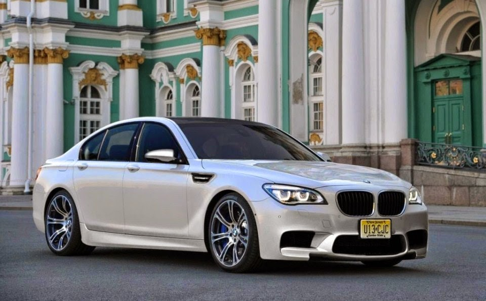BMW M770i XDrive Wallpapers