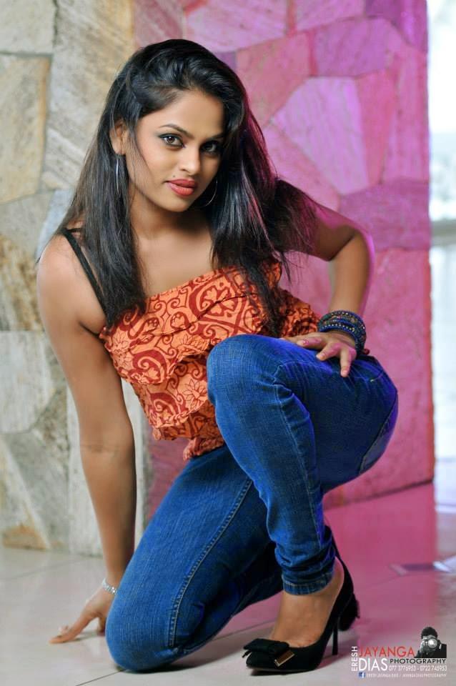 Thanuja Jayasinghe blue jeans