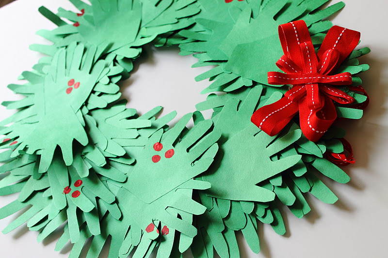 how to make christmas stuff out of construction paper