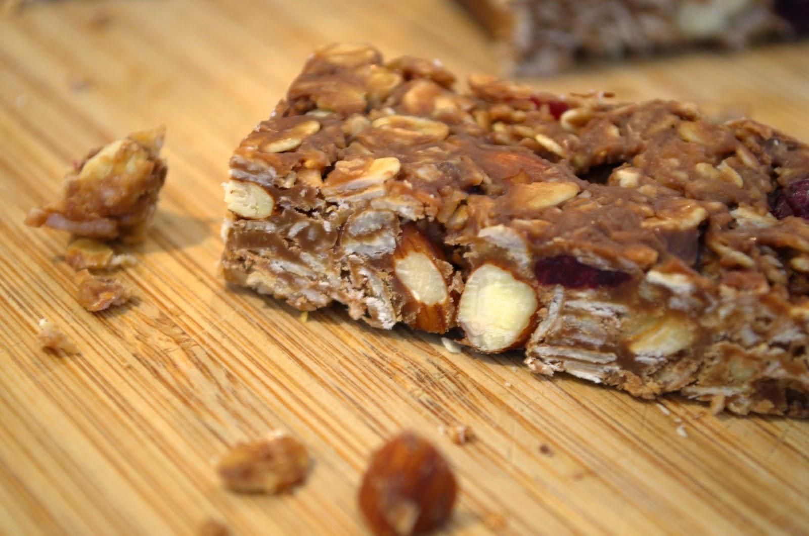 Almond and cranberry muesli bars