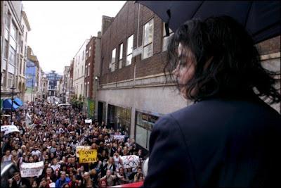 Como Michael Jackson amava seus fãs 3-our-sweet-charming-king-3-michael-jackson-21065466-604-403
