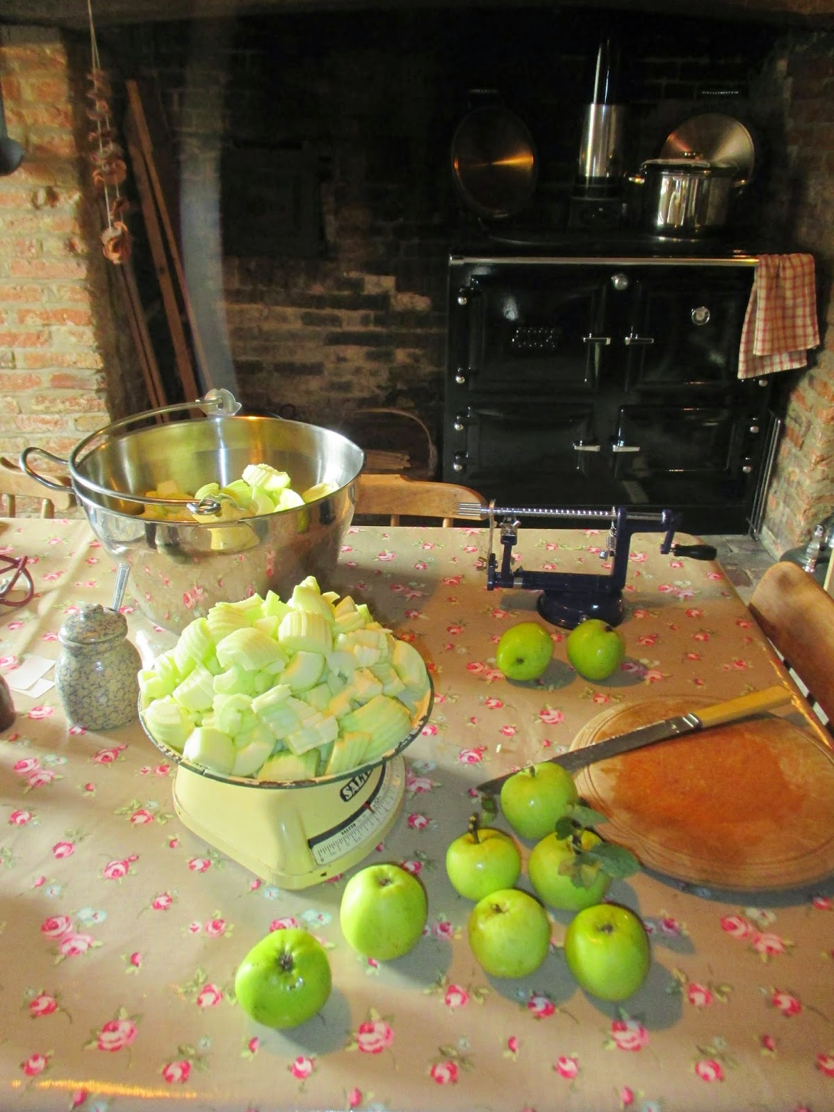 Ruth Mott Victorian Kitchen Remembering The Old Ways 2014 08 17