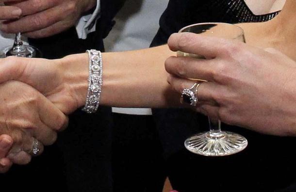 duchess of cambridge jewellery 2 december 2011 december