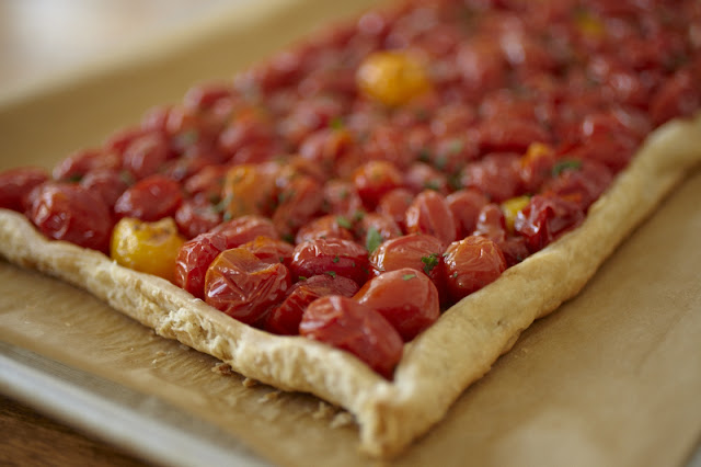oven roasted tomato tart with fresh herbs, herbed tomato tart