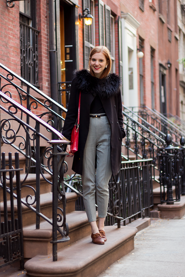 Vintage NYC Fashion blogger outfit with red hair, houndstooth pants and faux fur