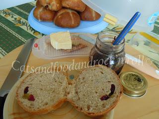 hot cross buns (ricetta di jamie oliver), a lievitazione naturale
