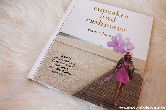 Cupcakes and cashmere by Emily Schuman - Cover